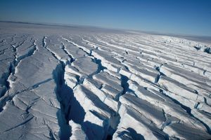 Packed ice. Mawson - Life and Death in Antarctica, 2008.