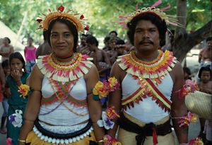 pacific islands/man woman traditional dress solomon islands